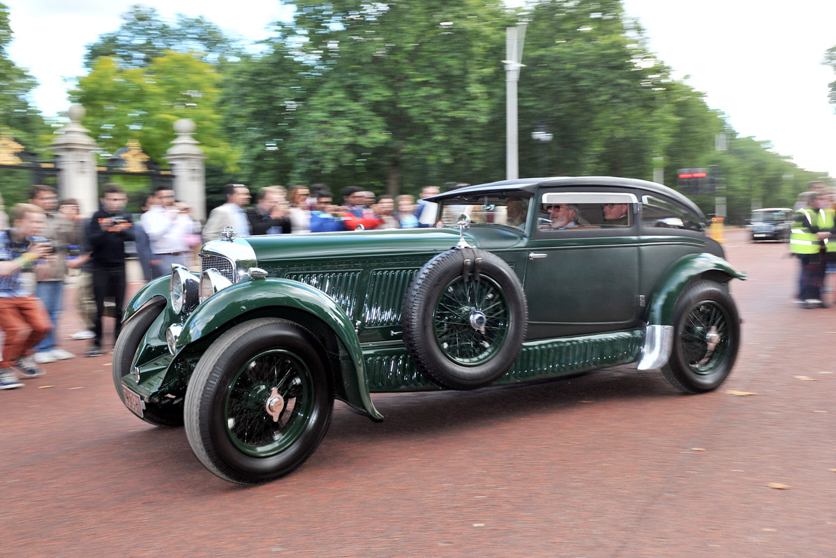 Leading Car Clubs Support the New Club Trophy Award at the 2014 Concours of Elegance