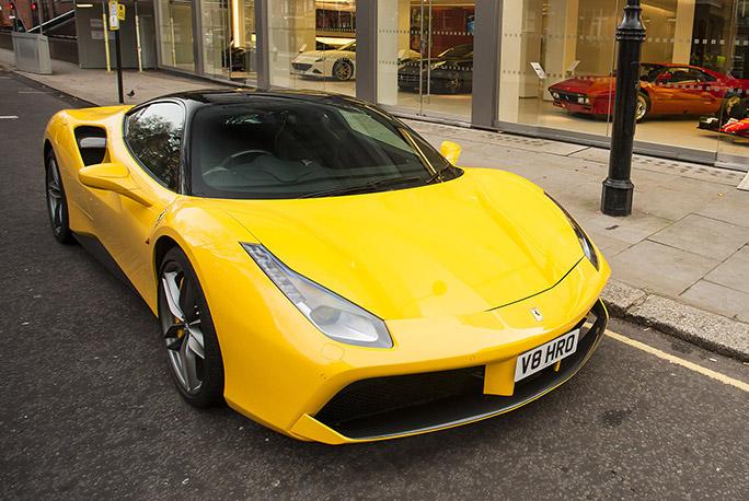 HR Owen – Ferrari